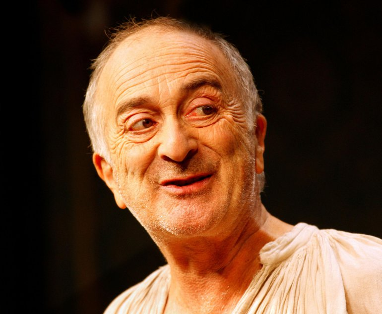 Image of Lunchtime Signing with Sir Tony Robinson