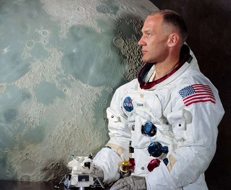 Image of SOLD OUT – Buzz Aldrin Talk and Signing