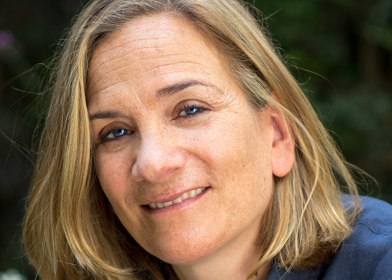 Image of Tracy Chevalier – A Single Thread